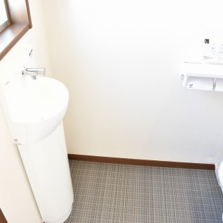 2階トイレ コンパクト手洗い器付